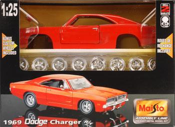 AL 1969 Charger R/T Hemi Metal -- Metal Body Plastic Model Car Kit -- 1/24 Scale -- #39256