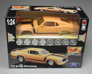 1970 Ford Mustang Boss 302 -- Metal Body Plastic Model Car Kit -- 1/24 Scale -- #39943